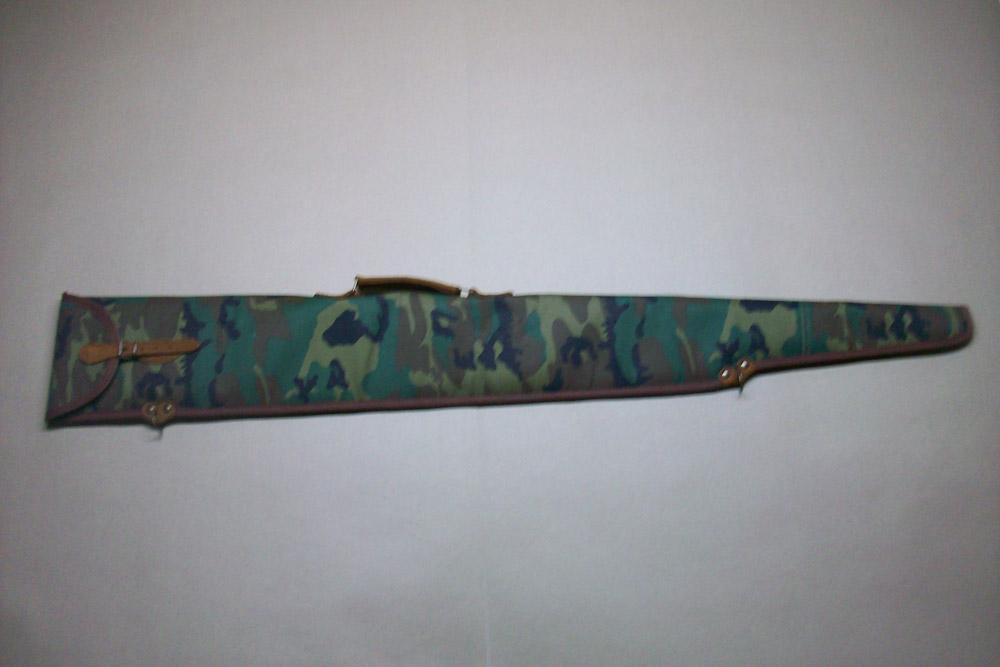 Funda escopeta repetidora montada en camuflaje